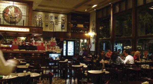El Café de los Angelitos.